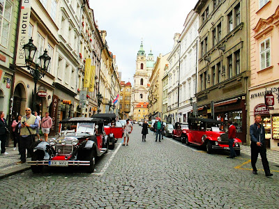 https://s-fashion-avenue.blogspot.it/2017/06/travel-diary-prague.html