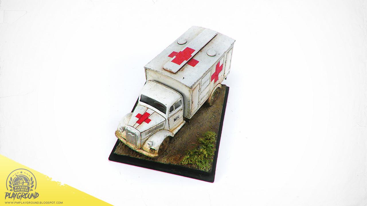 Kfz_305_Ambulance_0009.jpg