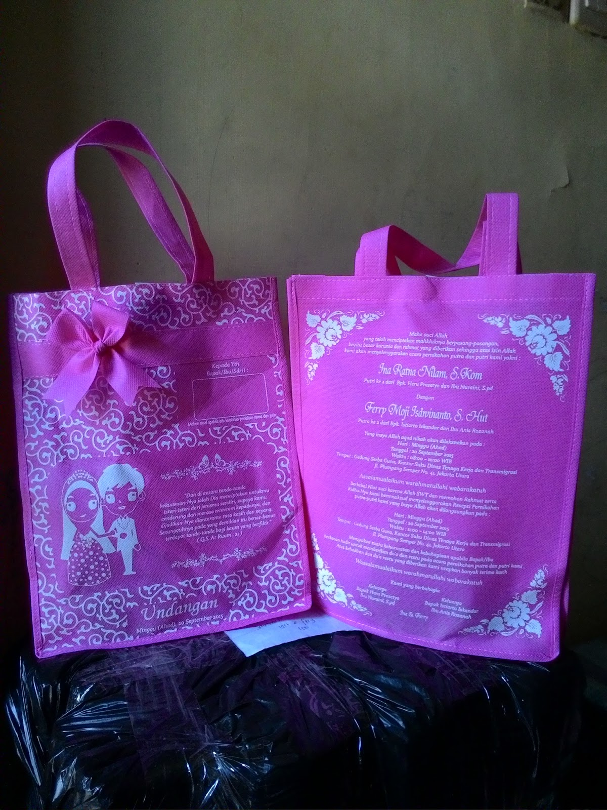 Tas Undangan Safa Pink Tua Rp 3300 Po Pusat Souvenir Pita Serut Kami Adalah Produsen Yang Unik Menarik Dan Berkualitas Tinggi Mulai Dari Jinjing Furing Parcel