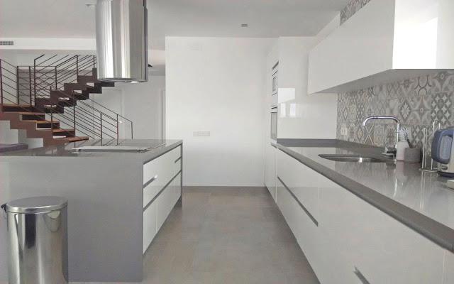 Una pared de azulejos: elemento clave para decorar la cocina ...