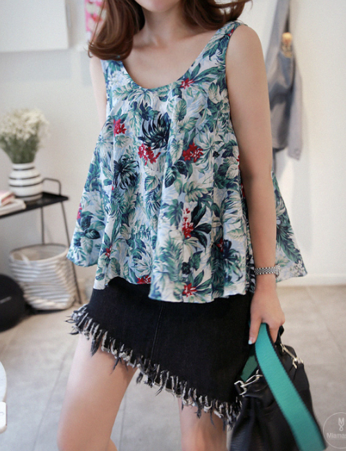 Tropical Print Sleeveless Tent Top