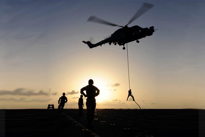 Система спуску по канату була розроблена британськими військовими спільно з виробником канатів MarlowRopes