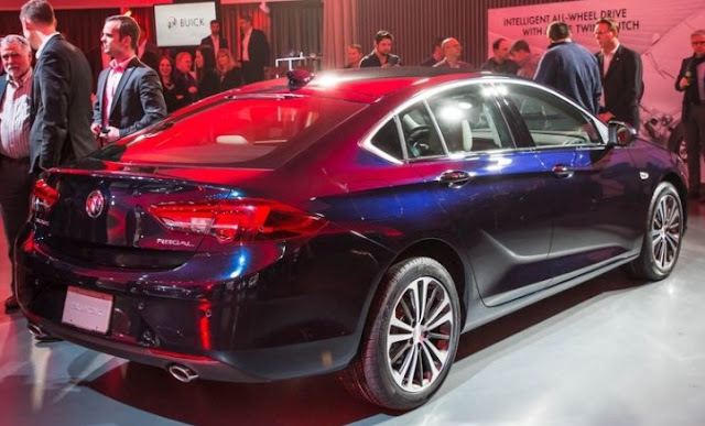 2018 Buick Regal Sportback Price - 2017 New York Auto Show