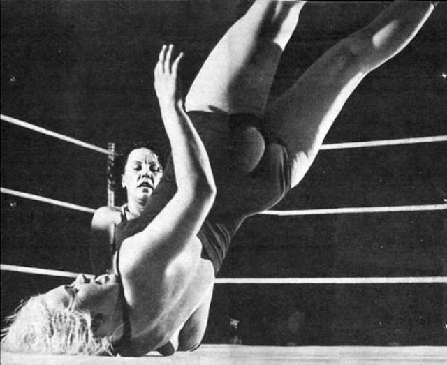 Womens Pro Wrestling Vintage Womens Wrestling-1277