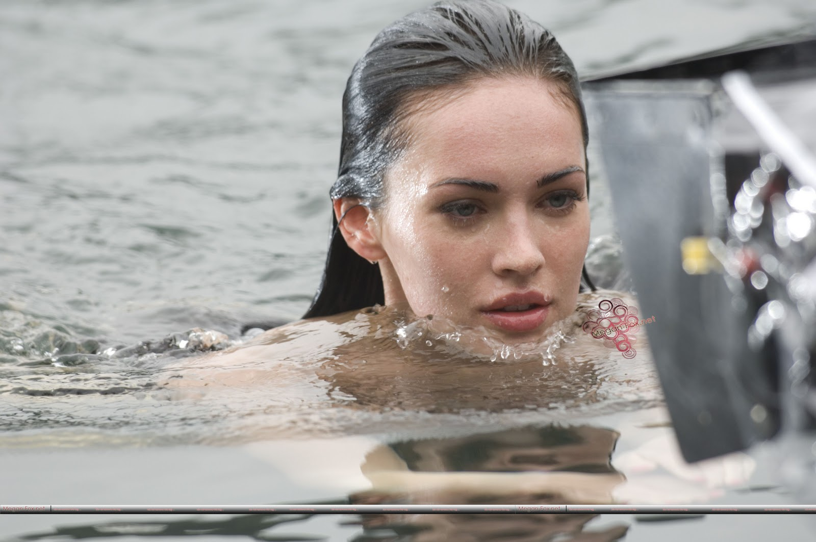 Megan fox on the set of jennifers body in vancouver may naked (17 photos), Paparazzi Celebrites pictures