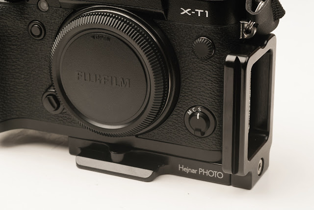 Fujifilm X-T1 w/ Hejnar Photo X-T1 L bracket front view