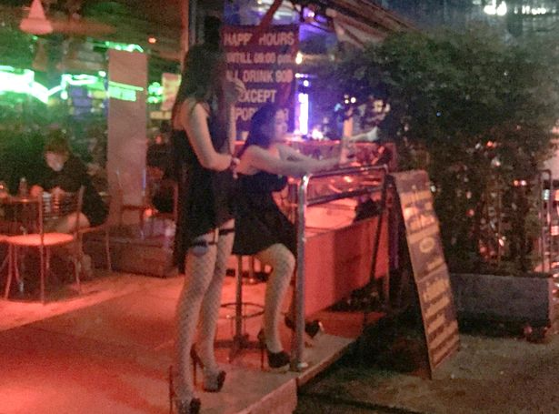 PAY-SWNS_THAILAND_REDLIGHT_04