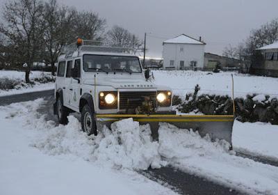 Land Rover, quitanieves, pala