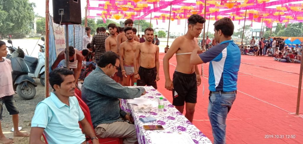 Jhabua News-आदिवासी युवाओं हेतु आर्मी भर्ती हेतु शिविर आयोजित