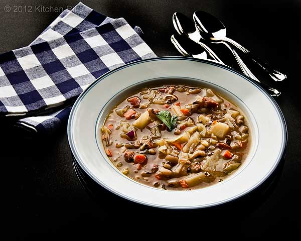 Black-Eyed Pea and Cabbage Soup