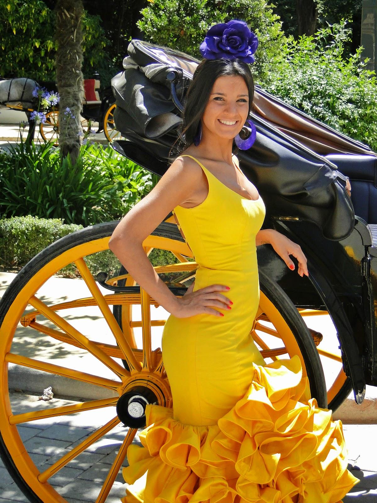 Traje de flamenca amarillo