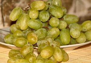 manfaat buah anggur untuk kolesterol