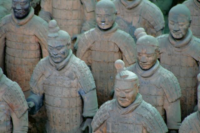 Terracotta warrior. The tomb of Emperor Qin Shi Huang. Xi'an. China. Терракотовый воин. Гробница императора Цинь Шихуанди. Сиань. Китай.