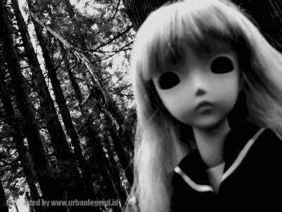 Boneka Terkutuk
