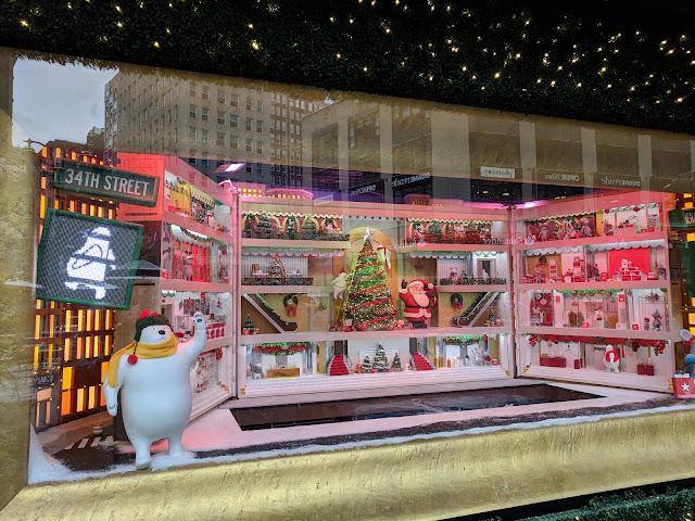 Різдвяні вітрини Нью-Йорку - Macy's (Macy's Holiday Windows)