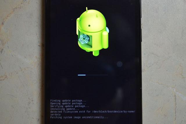 оновлення android