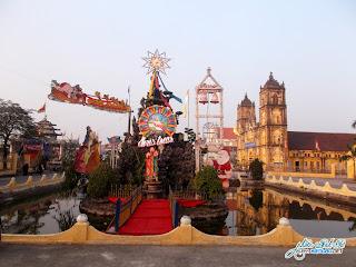 Hình ảnh trang trí giáng sinh tại Chủng viện Bùi chu và giáo xứ chính tòa Bùi Chu