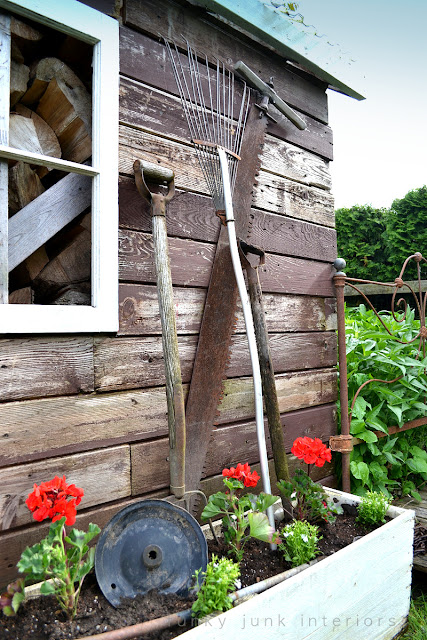 Rustic garden shed 4 - the reveal! / rusty tools in flowerbox