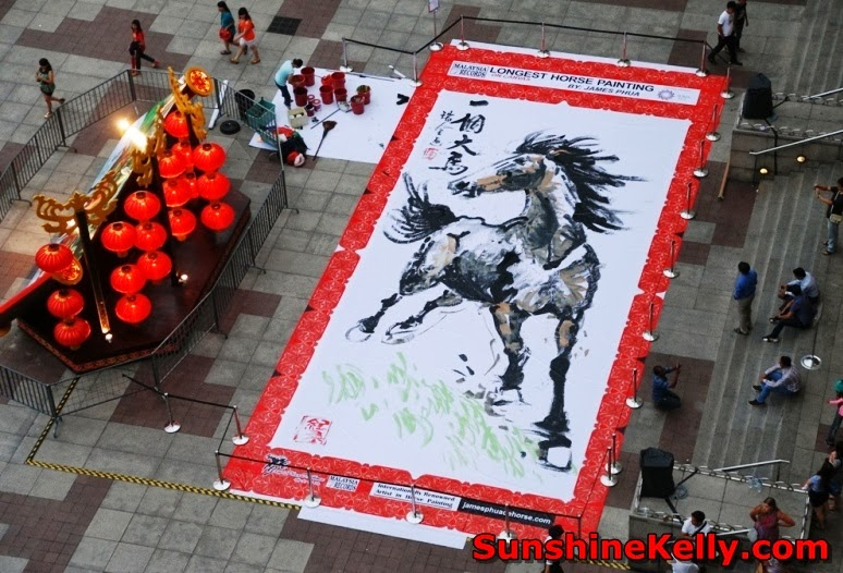 Longest Chinese Horse Painting, Suria KLCC, malaysia book of records, malaysia, cny2014, year of horse, australian artist, yao di xiong, horse painting, james phua, free style painting