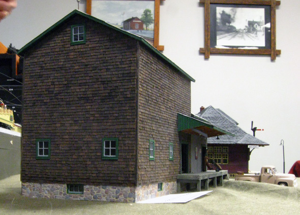 White River Division Feed Mill In Ho Scale