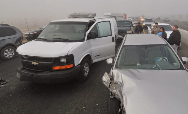 kings county hanford twenty car crashes highway 198 fog related