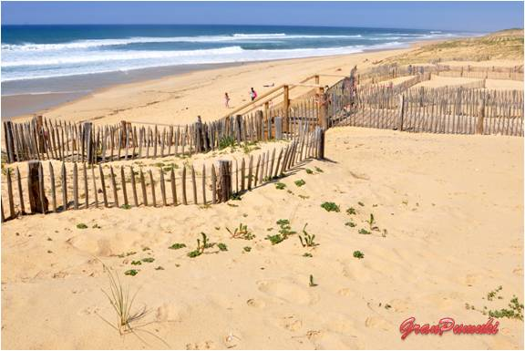 Las playas de Hossegor son de gran belleza porque conservan en gran medida el encanto de los sitios en los que el desarrollo turístico ha sido limitad. En Blog de Viajes