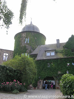 Sleepy Beauty Castle