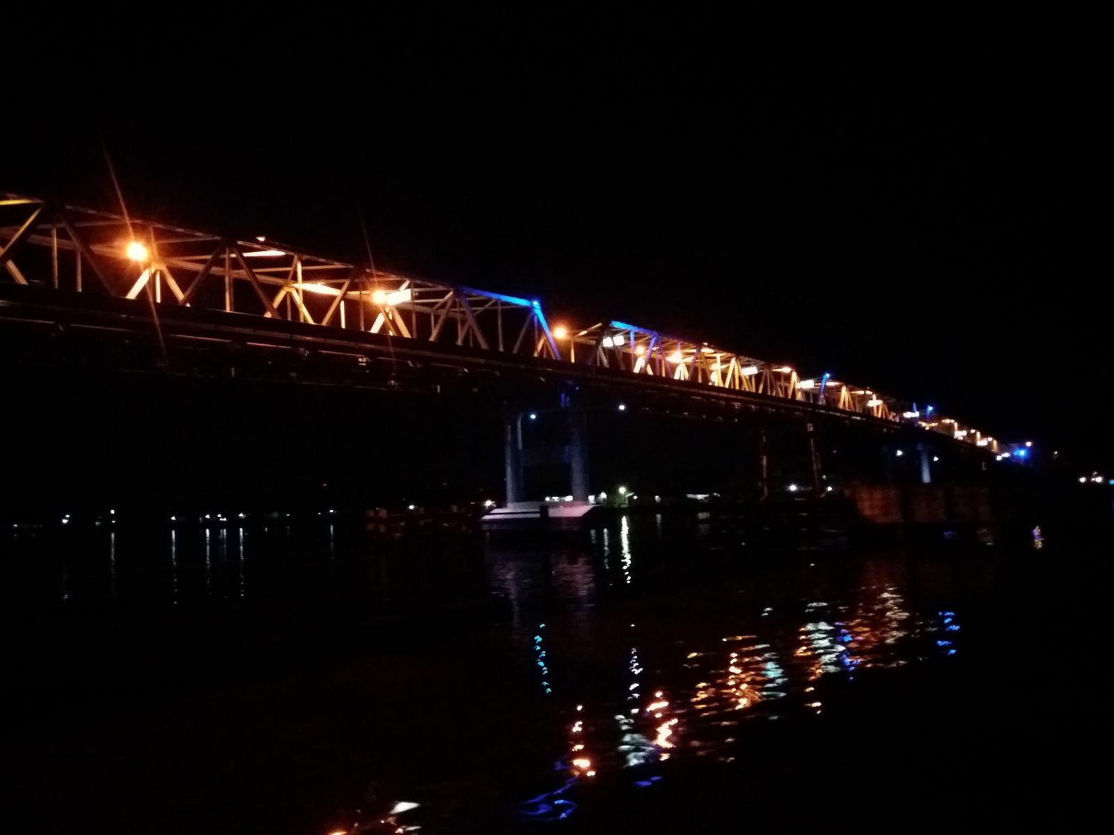 Kapal Bandong Dan Wisata Malam Sungai Kapuas
