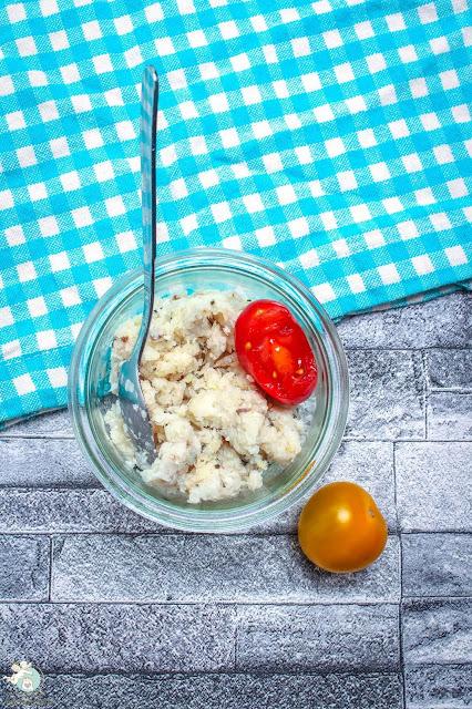 köstliches Speckpesto mit Parmesan und Rosmarin