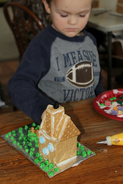 DIY Gingerbread House Party for Kids