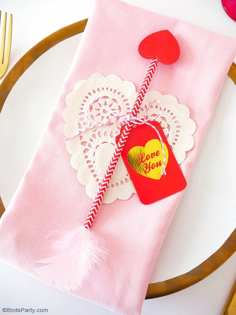 Last Minute Valentine's Day DIY Table Decor - quick and simple crafty idea to jazz up your table for Love day dinner or party! | BirdsParty.com