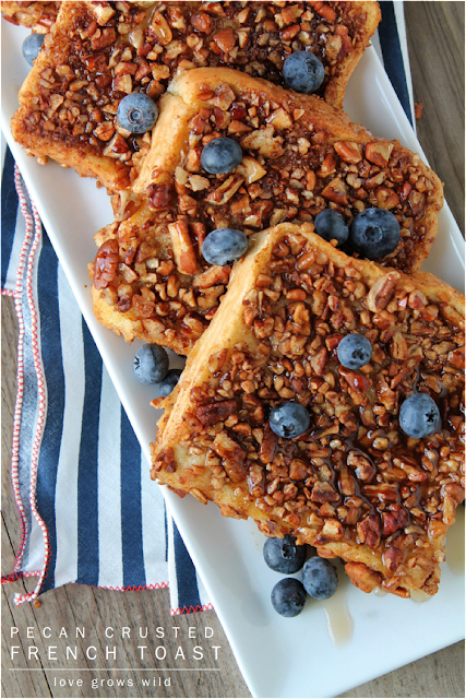 Pecan Crusted French Toast - the perfect french toast coated in crunchy, cinnamon pecans! | LoveGrowsWild.com #breakfast #pecan #frenchtoast