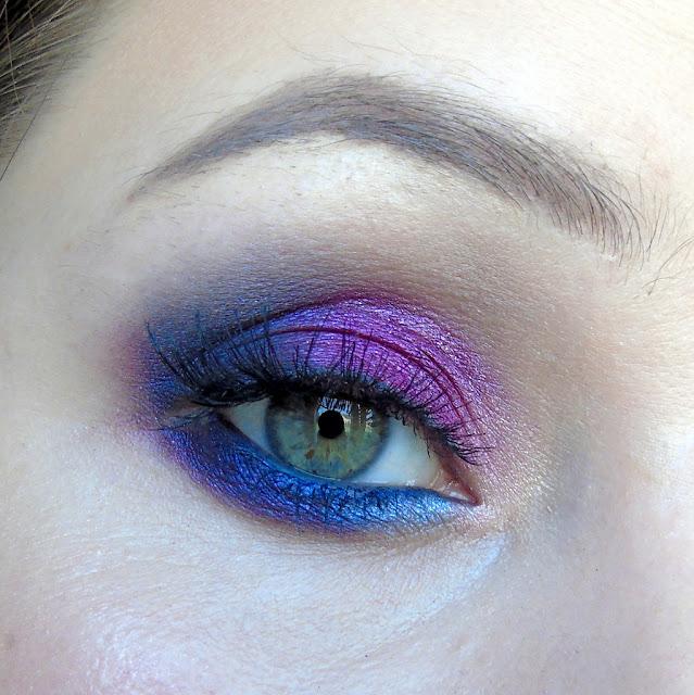Odrobinka kolorowego szaleństwa, czyli różowo niebiesko fioletowy makijaż kosmetykami MakeUp Revolution :)