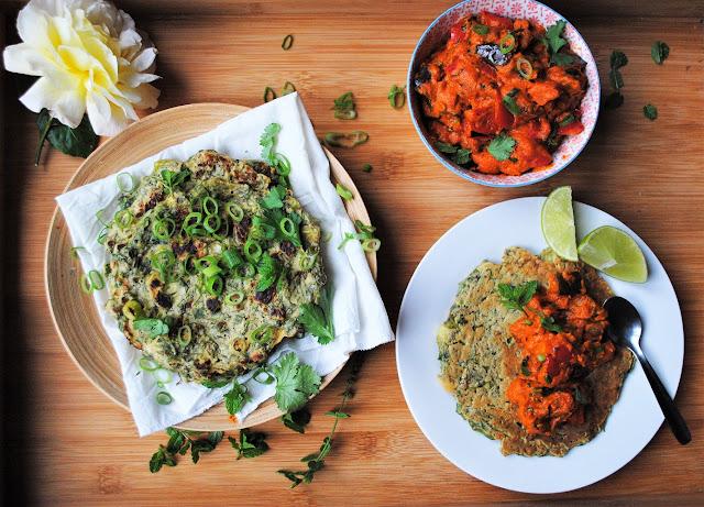 Verduras al horno en pasta de curry de anacardos y crepes de espinacas