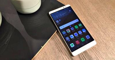 Huawei Mate 8 Dibanding Samsung dan Apple