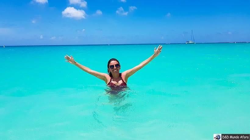 Mar na praia de Eagle Beach: Praias de Aruba, Caribe