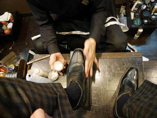 b1b7b34642f Un cepillo para cada color de zapato de pelo de caballo. Este tipo de pelo  es más suave que los anteriormente nombrados. Estos cepillos se utilizarán  para ...