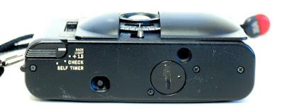 Olympus XA4 Macro, Bottom