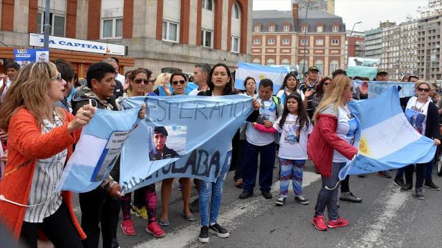 Marchan contra Macri por 'desafortunada' decisión sobre submarino