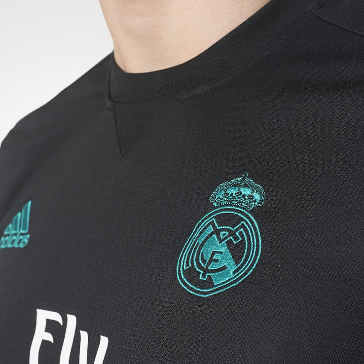 Uniforme de visita Real Madrid 2017-18 - Footy Headlines español 46369fb972b06