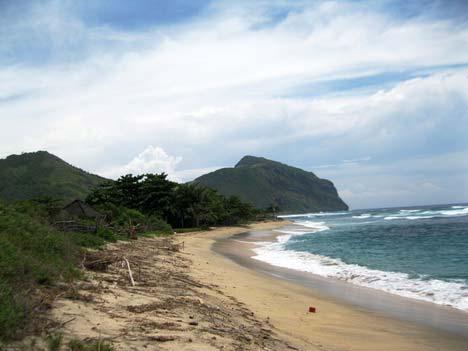 pantai rantung sumbawa barat