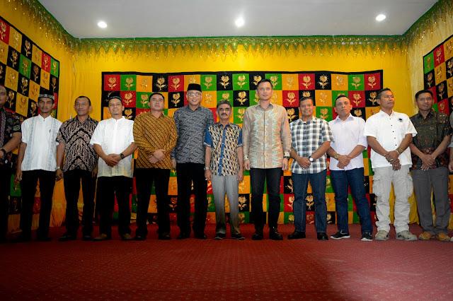 Jurnalistic Photography, Pendapa Bupati Aceh Utara, Cekmad, AHY foto Bareng,