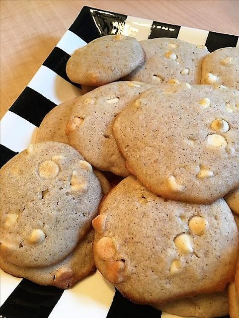 Harris Sisters GirlTalk: Pumpkin White Chocolate Chip Cookies