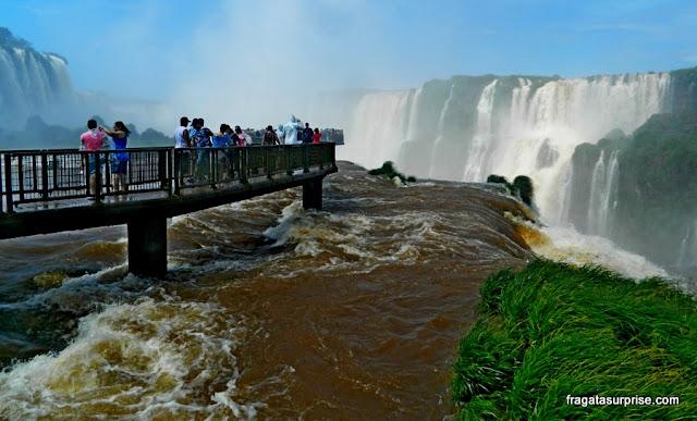 Passarela da Garganta do Diabo, no Parque Nacional das Cataratas do Iguaçu