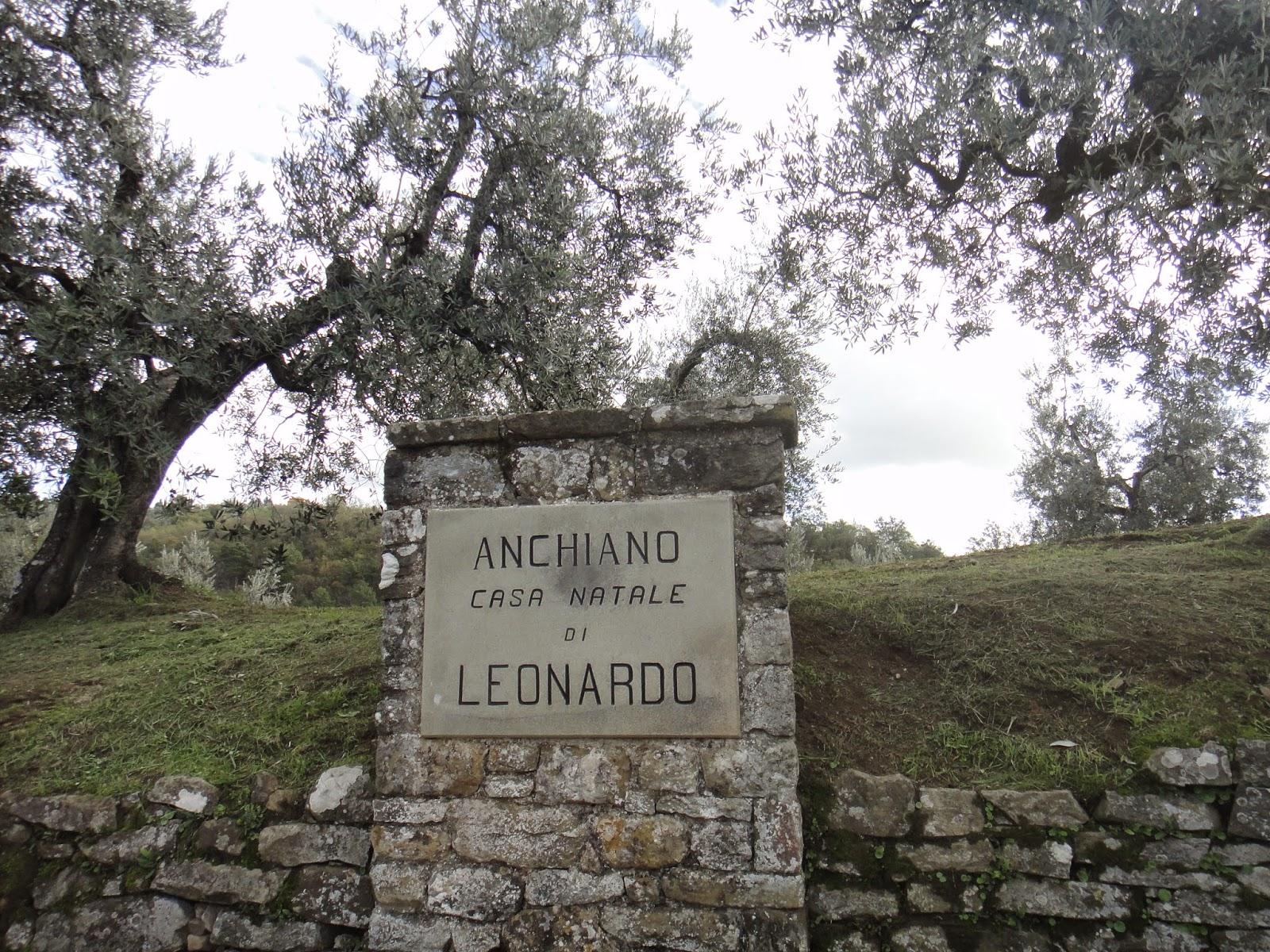 placa na frente da casa natal de Leonardo da Vinci
