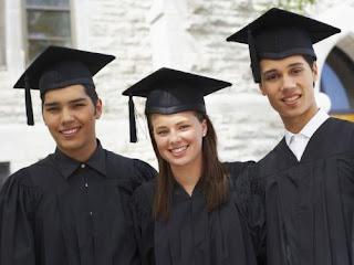 เรื่องที่ควรทำเมื่อคิดจะขอทุนการศึกษาจากมหาวิทยาลัยต่างประเทศ  พร้อมกับแนะนำทุนจากมหาวิทยาลัยจากออสเตรเลียและการเขียน CV ให้ได้ทุน