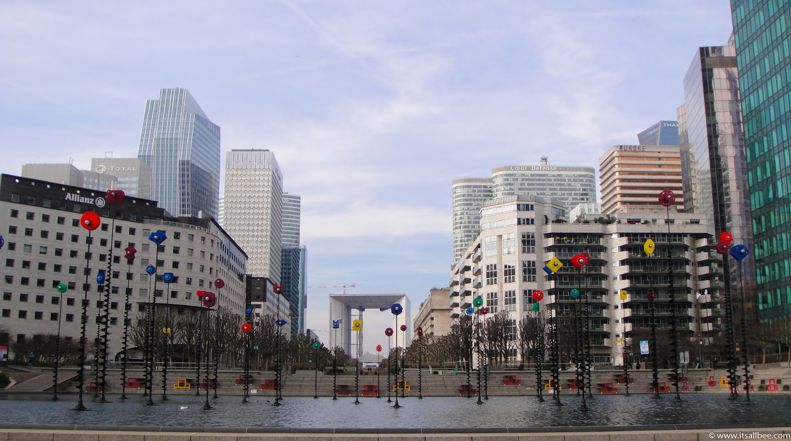Paris | The Colours of La Defense - www.itsallbee.com