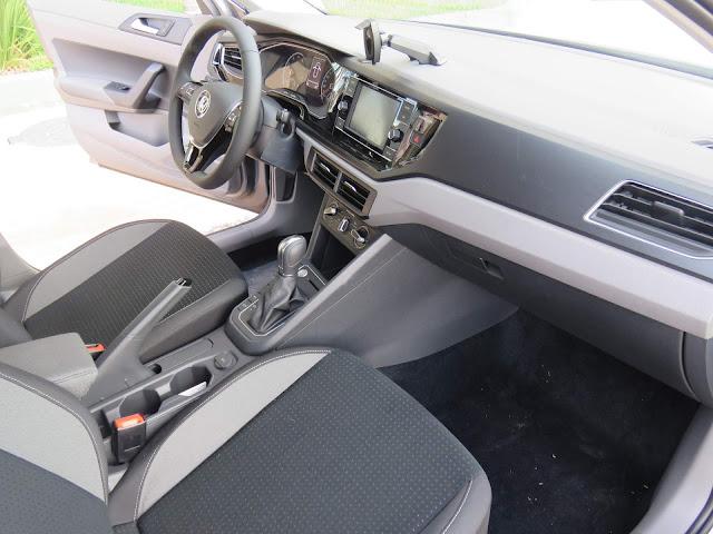 VW Polo Comfortline Automático - interior