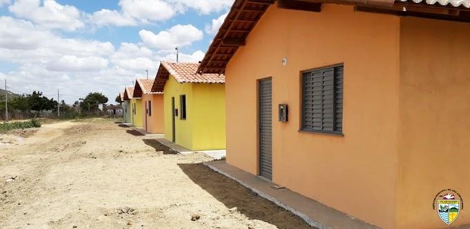 SÃO JOSE DOS RAMOS: Prefeitura realiza entrega de casas no Sítio Coreia pelo Plano de Habitação Rural..