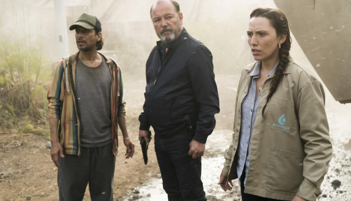 Daniel, Lola y Efrain en el episodio La Serpiente 3x11 de Fear The Walking Dead